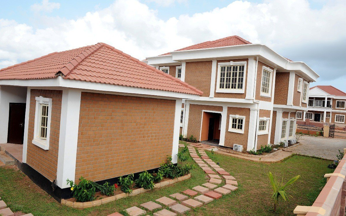 Empty luxury houses in lagos elite locations escalates for Building an estate