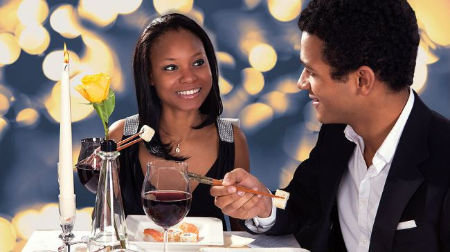 Nigerian couples on a date - Nigerian girls